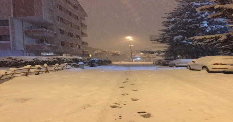 Taşova'da Aylardır Beklenen Kar Yağdı