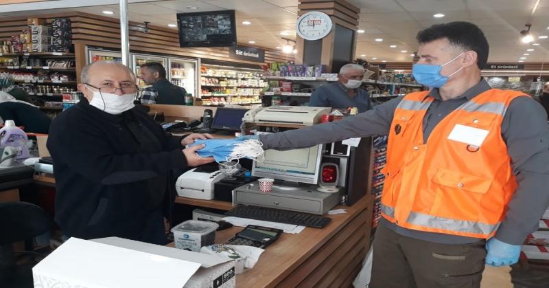 Taşova'da Bulunan İş Yerlerine Maske Dağıtımı Gerçekleştirildi