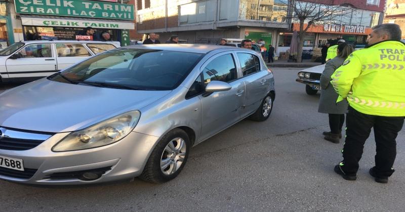 Taşova'da Maddi Hasarlı Trafik Kazası