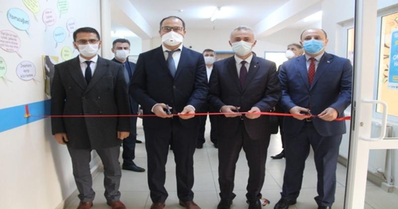 Taşova'da Metin Yurdakul Kütüphanesi Düzenlenen Törenle Açıldı