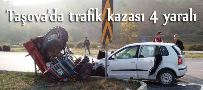 Taşova'da trafik kazası 4 yaralı