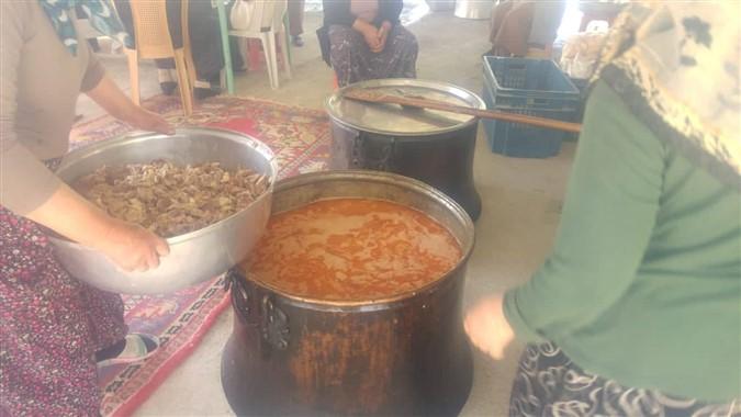 Tekke Köyünde Yüzyıllardır Bu Pilav Pişiriliyor