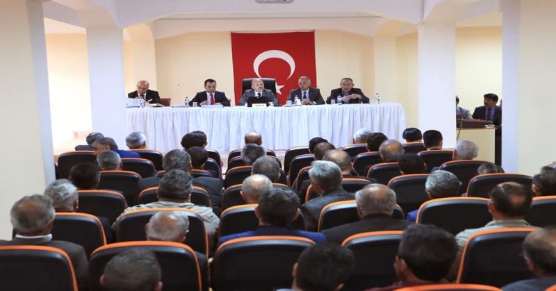 Vali Varol'un Başkanlığı'nda Muhtarlar Toplantısı Gerçekleştirildi