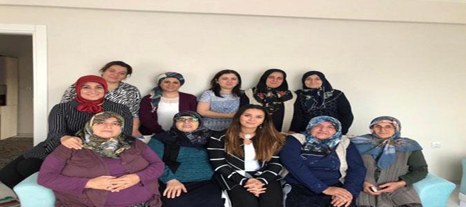 Vali Varol'un Eşi Funda Varol Karamuk'lu Şehit Ailesini Ziyaret Etti