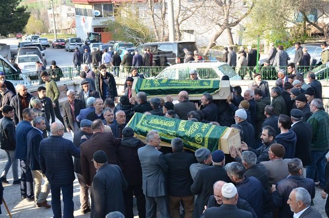 Yangında Ölen Çiftin Cenazeleri Toprağa Verildi