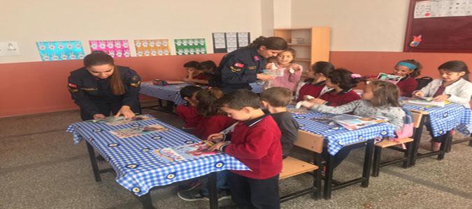 İl Jandarma Çocuk Kadın Kısım Amirliği'nden Boraboy İlkokulu öğrencileri Rol Model Buluşması