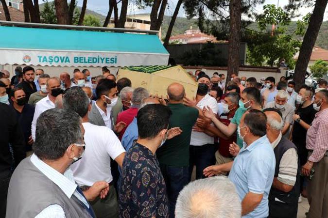 İlçemizin Kaymakamı Mustafa Berk Çelik'in babası Mehmet Çelik vefat etti.