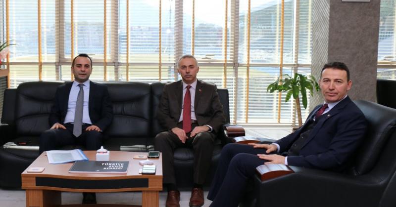 Kaymakam Çelik ve Başkan Öztürk İl Milli Eğitim Müdürü Kösterelioğlu'nu Ziyaret Etti