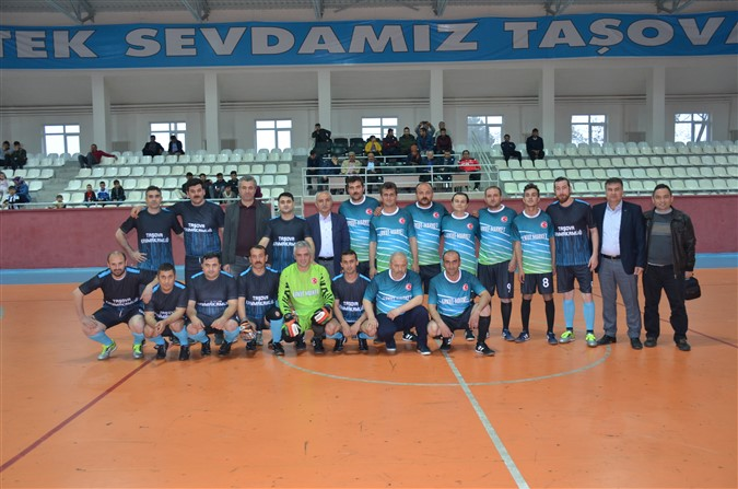 Kurumlar Arası Futbol Turnuvasında İlk Maçlar Oynandı