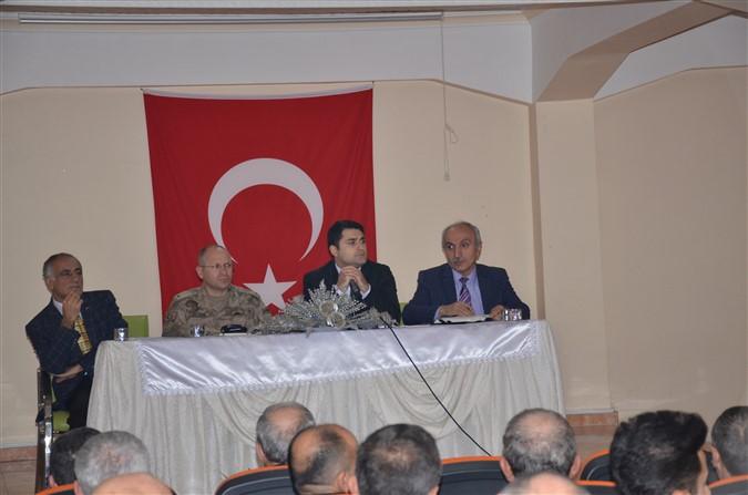 Muhtar ve Muhtar Adaylarına Bilgilendirme Toplantısı Yapıldı
