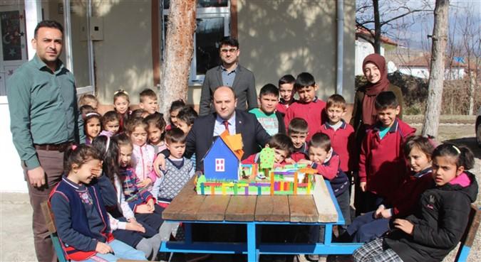 Mustafa Tümer'den Köy Okullarına Ziyaret