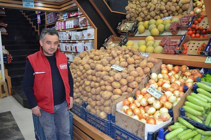 Özgür Süper Market Uyguladığı Fiyat İndirimleri İle Taşova Halkının Yanında