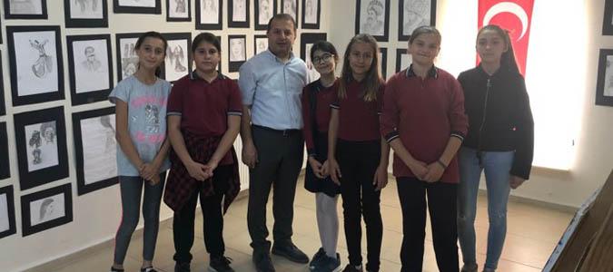 Taşova Atatürk Ortaokulun'dan Yıl Sonu resim sergisi