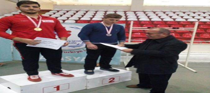 Taşova İmam Hatip Lisesi Amasya Güreş Müsabakaları İl Birinciliği Başarısı