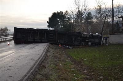Taşova'da Tır Kazası